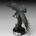 Award Diving Eagle 17-1/2 in.